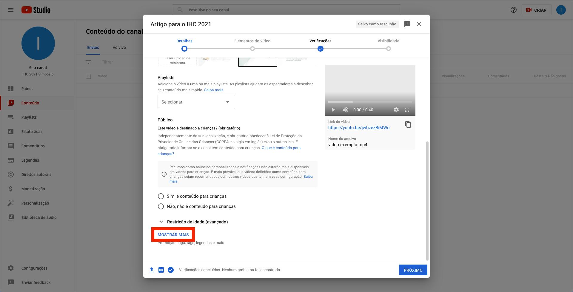 Captura de tela do YouTube. Janela modal contendo campos de formulário que permite a inserção de detalhes do vídeo, com link 'Mostrar mais' destacado com uma borda vermelha
