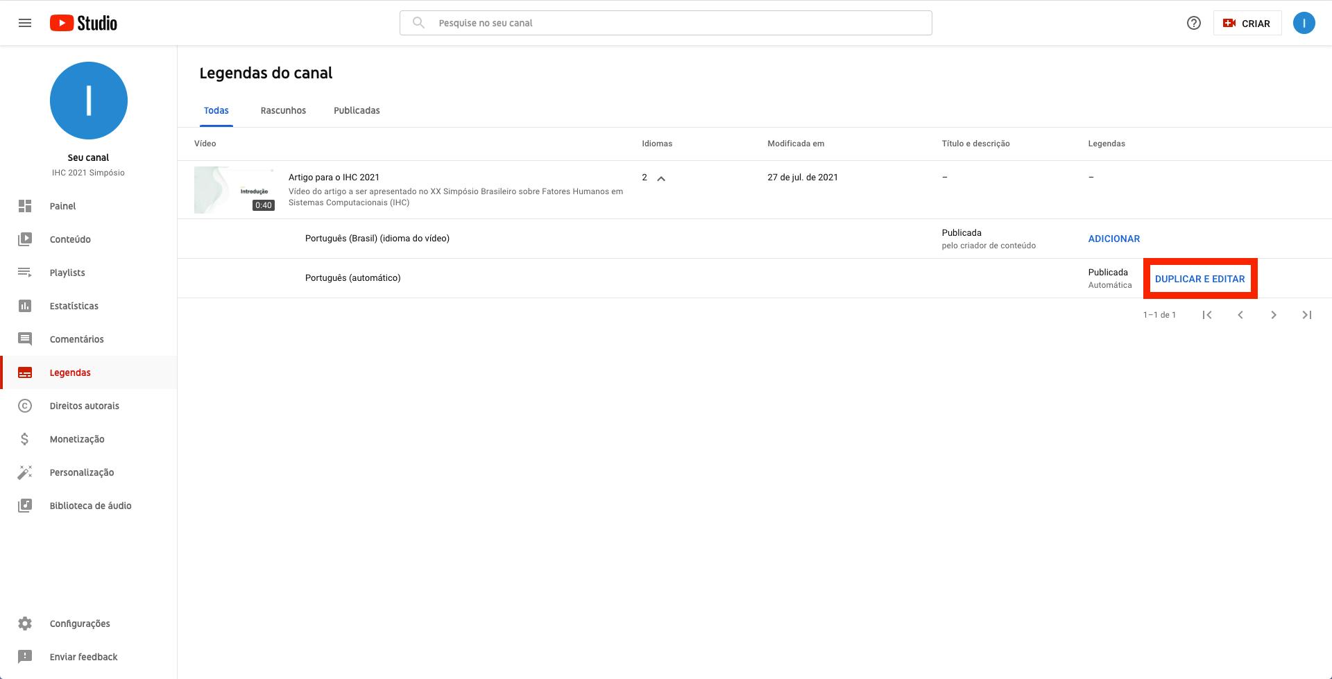Captura de tela do YouTube Studio. Página de legendas do canal, com destaque para o link 'Duplicar e editar' vinculado à opção de legenda 'Português (automático)'. O link está com uma borda vermelha